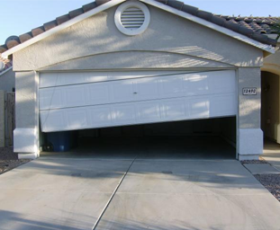 Common-Garage-Door-Problems-Image